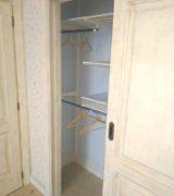 Встроенный шкаф-купе в детской комнате - фотографии