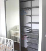 Встроенный шкаф-купе в детской - фотографии