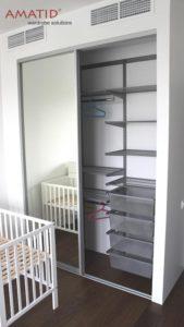 Шкаф-купе в детской - фото