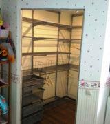 Гардеробная комната в детской - фотографии, идеи и цены
