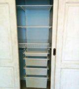 Встроенный шкаф-купе в детской комнате - наполнение