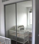 Встроенный шкаф-купе в детской - фотографии дверей-купе
