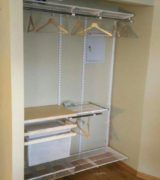Встроенный шкаф-купе в нишу - фото