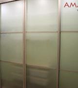 Шкаф-купе в спальне - раздвижные двери
