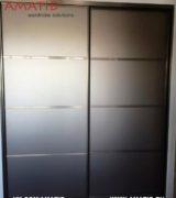 Шкаф-купе в гостиной - фотографии